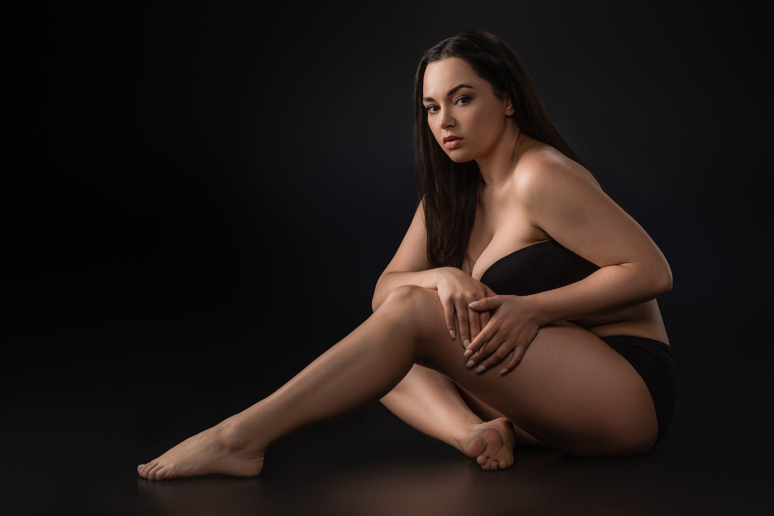 belle-femme-en-culotte-menstruelle-noire-anna-panty