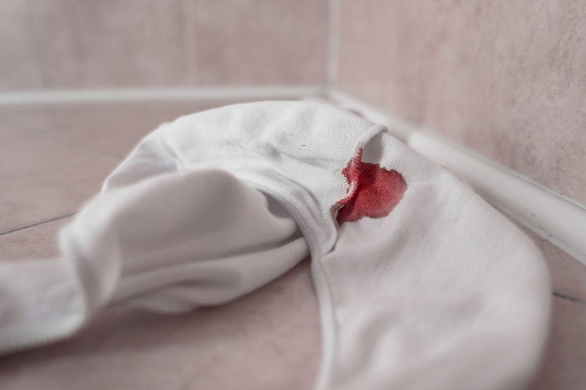comment éliminer facilement les tâches menstruelles